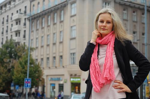 Anna Háblová před domem na rohu Václavského náměstí a Opletalovy ulice; foto: Radovan Zítko.