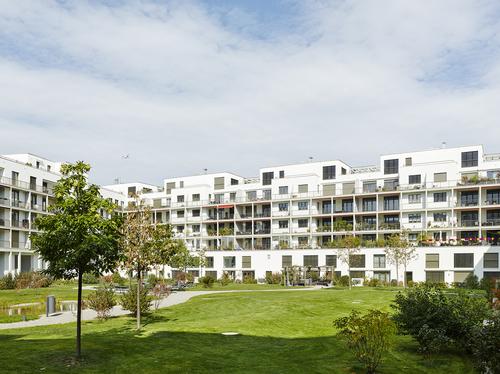 Planungsbüro Studio di Architettura: obytný blok Konradhof se 177 bytovými jednotkami ve čtvrti Richti-Areal ve švýcarském Wallisellenu, dokončeno 2013; zdroj: allreal.ch.
