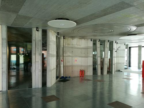 Budova Drn (Palác Národní), Praha: interiérová prosklení v nestandardních geometrických tvarech, protipožární dveře – sklo POLFLAM® třídy EI 60.