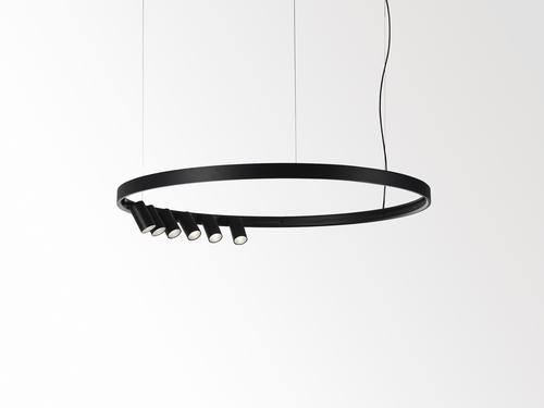 Černý kruhový Superloop s reflektory.