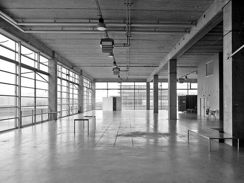 Volně uzpůsobitelný prostor vúrovni 1A – opuštěný, jako po většinu času; foto: Valéry Didelon, 2011.