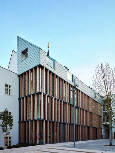 Vallo Sadovsky Architects: polyfunkční objekt vTrnavě, 2018; foto: BoysPlayNice.