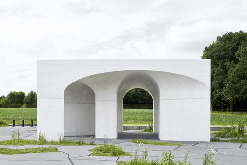 Six Vaults Pavilion in Hooglede (BE), Gijs Van Vaerenbergh; photo: Matthijs van der Burgt Dujardin.