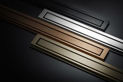 Barevné varianty řady HighLine Colour: mosaz, měď, leštěná ocel a matná čerň.