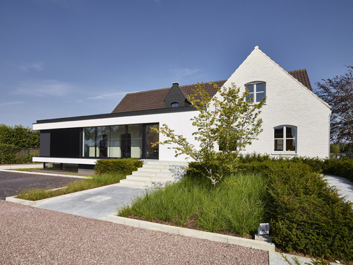 Přestavba a rozšíření rodinného domu v Belgii.