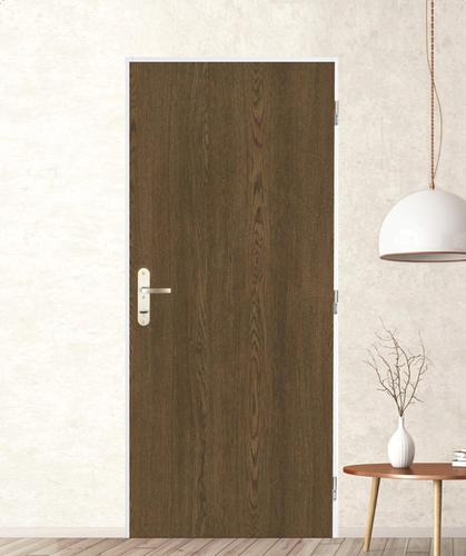 Díky rozdílnému povrchu mohou dveře ladit sinteriérem bytu ichodbou vbytovém domě.