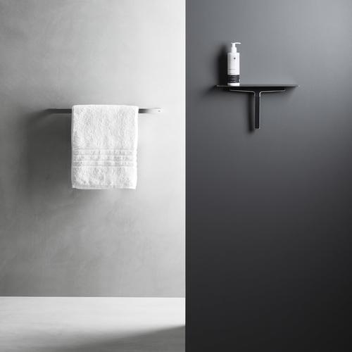 Koupelnové doplňky UNIDRAIN v černém provedení.