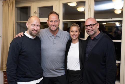 Generální ředitel Hager Electro v České republice pan Thomas Grund (druhý zleva) a šéf designu skupiny Hager Erwin van Handenhoven (zcela vpravo).