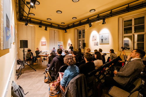 Diskuse šéfredaktorů v debatním sále divadla Husa na provázku v Brně; foto: Marieta Malíková.