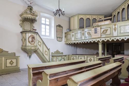 Kazatelna vlibišském evangelickém kostele, kde se Jan Palach den před svým činem modlil; foto: Tereza Melicharová.