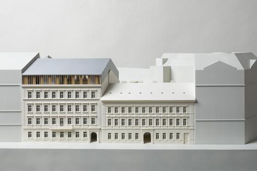 Škarda architekti: návrh rekonstrukce adostavby budov Filozofické fakulty UK vOpletalově ulici, model; zdroj: Škarda architekti.