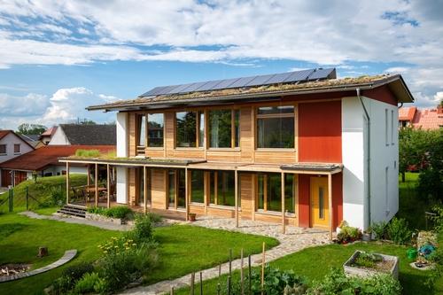 Vítěz v kategorii Náš domov: Téměř soběstačný slaměný dům v Dobřejovicích; autor: Ing. arch. Jan Márton; investor: Jan Chvátal; foto: Vojta Herout.