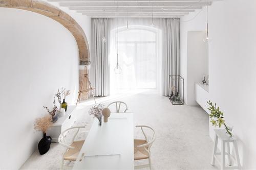 Jedna zrealizací ateliéru Lenky Holcnerové se nachází vpombalinské budově vLisabonu; foto: José Manuel Ferräo.