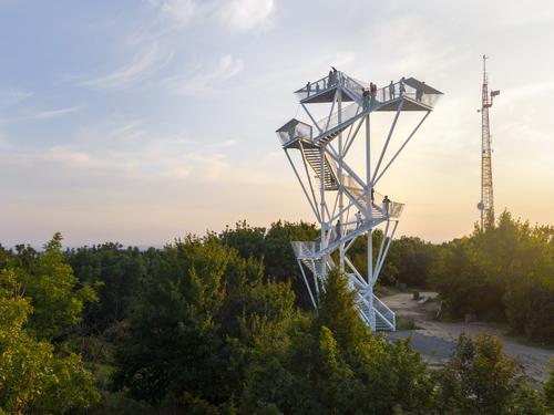 Vyhlídková věž na Devínské Kobyle, Architekti Šebo Lichý; foto: Tomáš Manina.