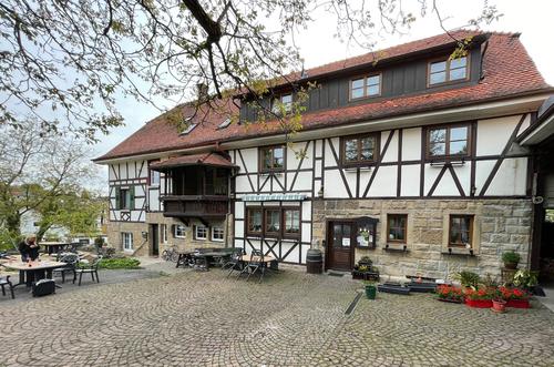 Venkovní terasa vinařství Kern v Oberderdingenu; foto: Landesmesse Stuttgart GmbH.